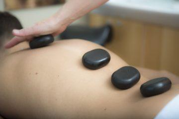 bon massage pierre chaude